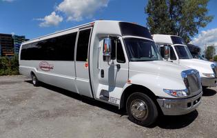 silver-limo-bus1