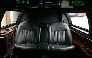 black-lincoln6-limo2